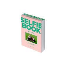 Red velvet - Selfie Book